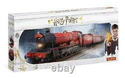 37999 Hornby Harry Potter Hogwarts Express 00 Gauge Electric Model Train Set
