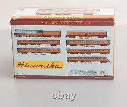 Fox Valley Models 40001 Milwaukee Hiawatha N Gauge Steam Passenger Train Set EX