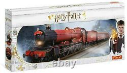 Hornby Harry Potter Hogwarts Express OO Gauge Electric Model Train Set R1234M