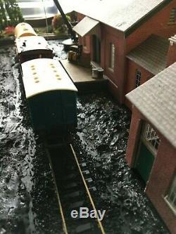 Hornby Model Railway Train Layout 00 Gauge DCC, 3x4 1/2 ft