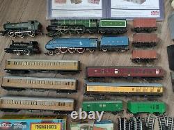 Hornby OO gauge joblot train sets engines wagons track kits model railway etc