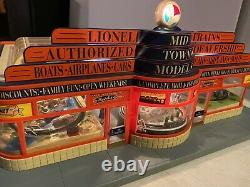 Lionel Hobby Train Shop Building 6-32998 O Gauge Mid Town Model Used Not Working