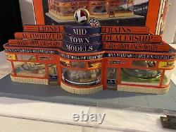 Lionel Hobby Train Shop Building 6-32998 O Gauge Mid Town Models with Box