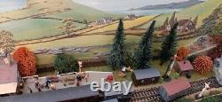 Model Railway Layout N gauge 2ft x 4ft including Trains with spares