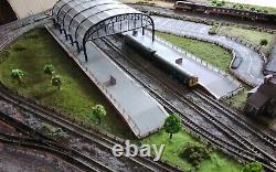 N Gauge 6x3ft Model Railway Layout Great little Train set Delivery Possible
