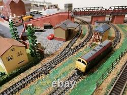 OLD N GAUGE MODEL RAILWAY TRAIN LAYOUT 59 x 48 WITH ROLLING STOCK
