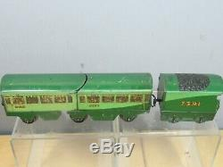 VINTAGE HORNBY 0 GAUGE MODEL No. O 7391 STREAM LINE TRAIN WITHOUT LOCO