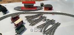 Vintage TRI-ANG R1X Passenger Train OO Gauge Electric Model Train Set. Railways